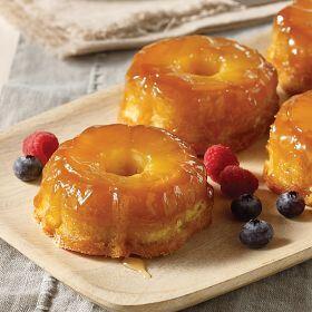 8 (4.9 oz.) Pineapple Upside-Down Cakes